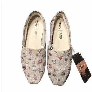 NWT Toms Limited Edition Holiday Print